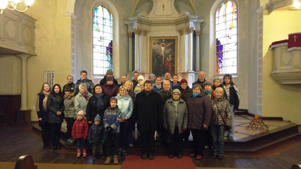 viesojamies Raunas baznīcā